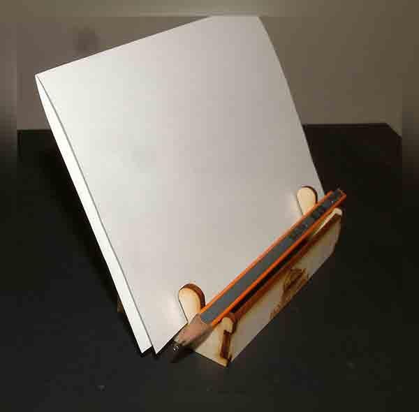 stalak za letke i olovku